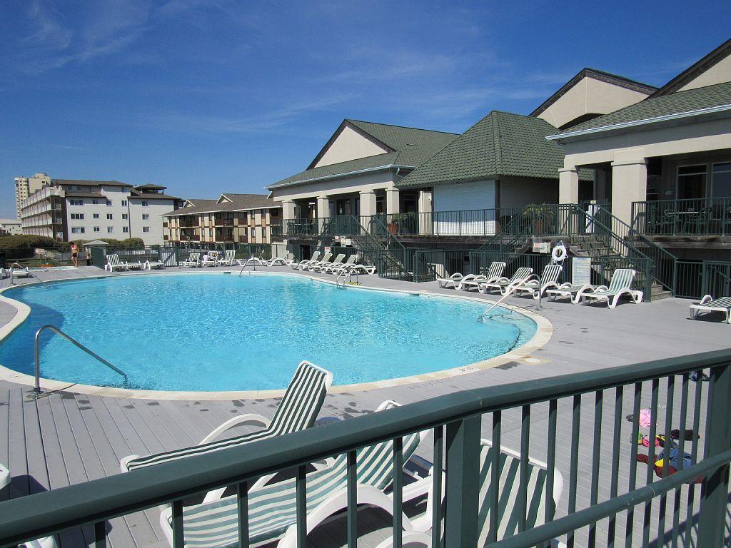 Ocean Island - Club Pool
